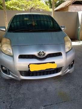 Dijual cepat mobil YARIS 2012 MATIC, asli BALI