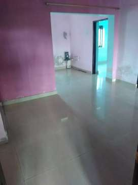 Rooms for working bachelor's in sharing basis