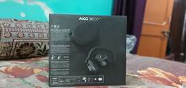 Wireless akg headphone
