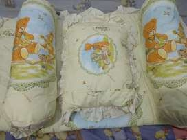 Bedcover set Lengkap ( bedcover, bantal bayi dan guling bayi )