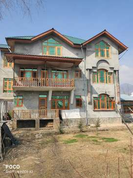I want sell my house in pampore,frestabal,Tancha bagh.Near Darul Uloom