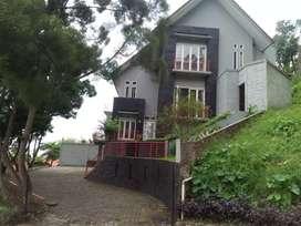 Dijual rumah semi di Dago Bandung Utara.