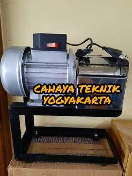 (CAHAYA TEKNIK JOGJA) mesin parutan dinamo parut kelapa