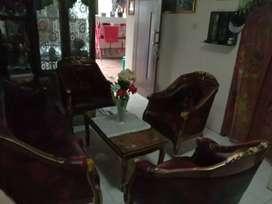 Di jual 1 set sofa kayu jati kondisi masih 98 % mulus