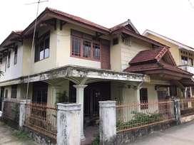 Dijual rumah gedong + kos 4 pintu + bedeng 2 pintu, Lokasi STRATEGIS