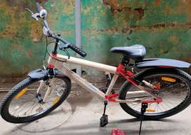 Hercules storm 26t hybrid bicycle only 5 days old