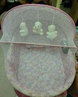 Tempat Tidur Bayi Pliko Oval