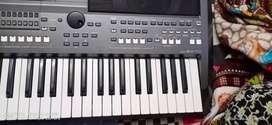 Yamaha 670 keyboard