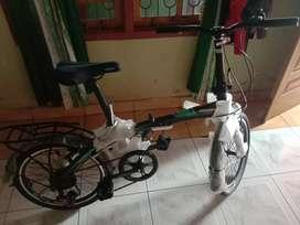 Sepeda lipat Odessy