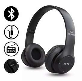 Headphones work with or without blue tuth with aux