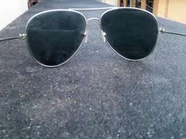 Best black colour sunglasses in good condition