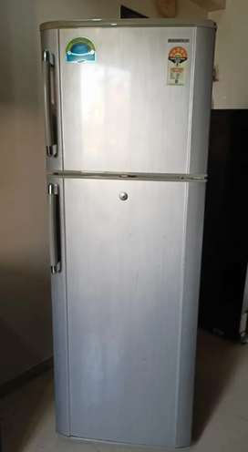 Samsung Refrigerator 345 Ltr Model no. RT35