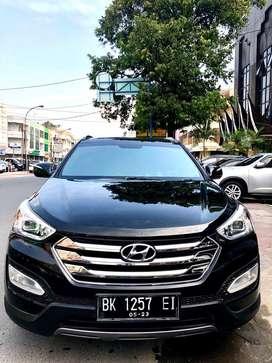 Hyundai Santa Fe Diesel 2.2 Hitam 2012