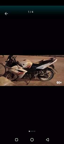 Yamaha R15 good condition kuch bhi kmi nhi h sb okk h