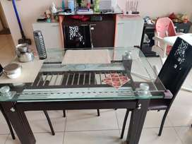 Dining table 4 seater glass top