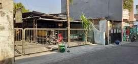 Disewakan/ DIJUAL lahan kosong plus bangunan di petemon (pusat kota)