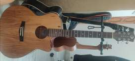 Almost new Guitar
