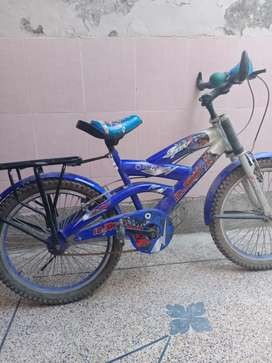 Mountain bike excellent condition 10/10