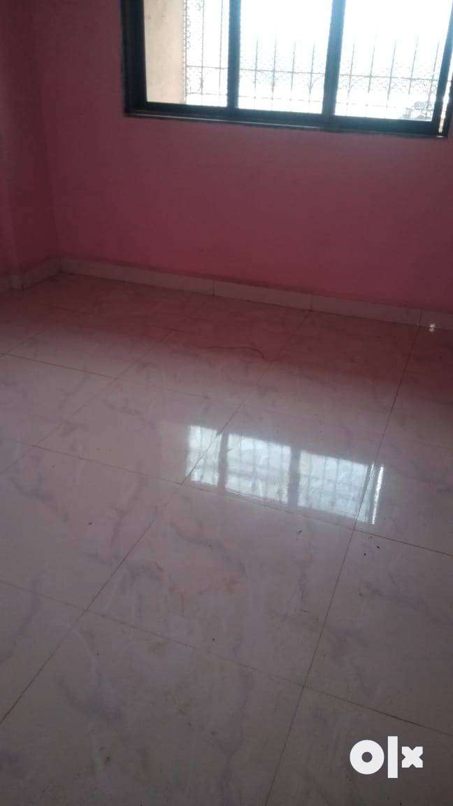 Available 2BHK flat for rent in sector 8 Airoli for family & bach