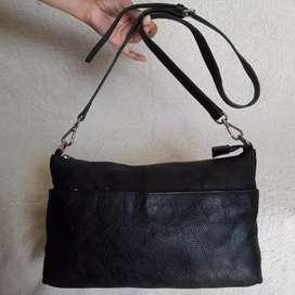 Aokang hitam kulit asli sling bag