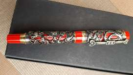 Jinhao fountain pen with artwork carved figurines on body