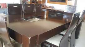 8 seater dinning table in very good condition is for sale