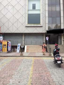 2200sq-ft uper GF showroom space in mahanagar on road prime location
