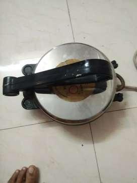 Nonstick Roti maker in good condition