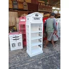 Lemari pajangan telephone box