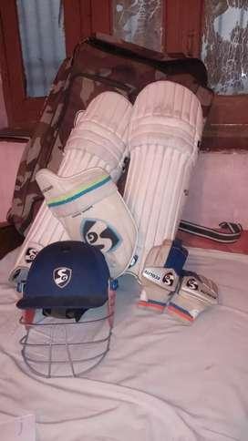 SG cricket kit or set