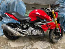 Bmw g310 r racing red