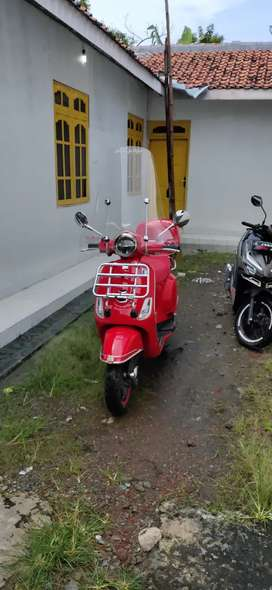 All New Vespa LX Red Edition