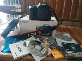 Canon eos 7D. BO. Mulus normal jaya