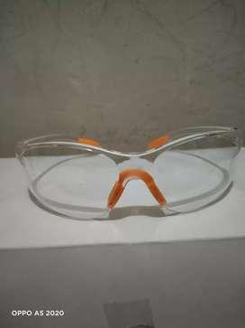 Mari dibeli kacamata safety nya