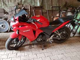 WANT TO SALE CBR 250R ABS
