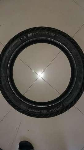 Ban belakang tubeless Michelin Pilot Street uk. 140/70-17