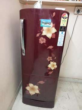 Samsung brand new fridge  215 litre 6six months older