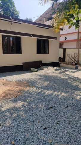 3452 sq.ft land with house for sale at Kudamaloor