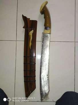 Dijual pedang Pattimura,brg peninggalan,msh bgs...