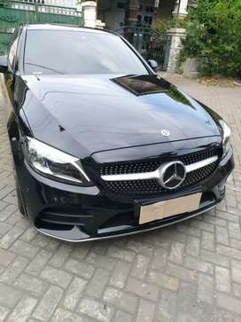 Mercedes C300 AMG Line FL tahun 2019,hitam KM-550 ( jarang pakai )