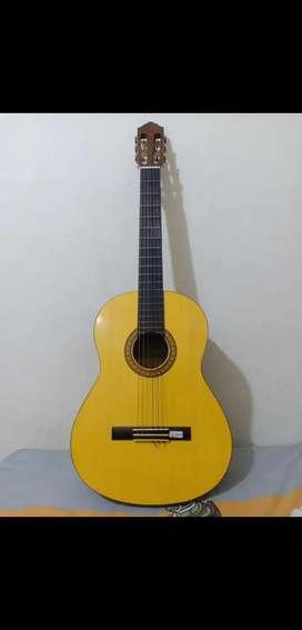 Gitar Classic c315 barang mulus bisa nego