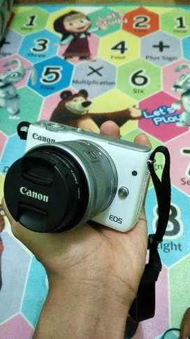Canon EOS M10 (+aksesoris)