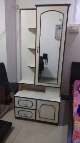 I want to sell my Dressing Table with New condition