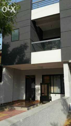 Semi furnished 3bhk duplex on rent only for families plz call