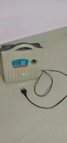 CFL 3 light bulb charger ( De-Lite)