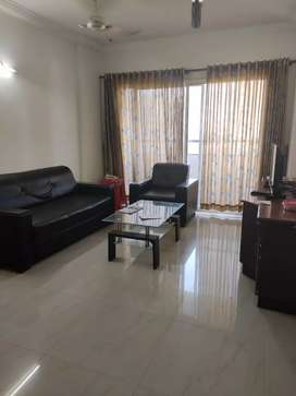3BHK flat superfurnished,(AC,centralized gas connection)