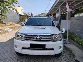 Fortuner limited edision a/t diesel 2010 tangan 1 dari baru