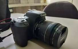 Canon camera 200d with two lines
