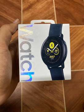 Samsung Galaxy Watch Active 40mm (Black) with Extra Strap