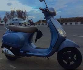 Piaggio vespa lx 150 ie biru azzura 2012 2v